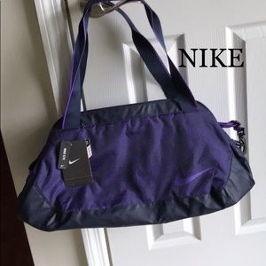 NWT- Nike C72 Medium Sports duffle Bag Medium